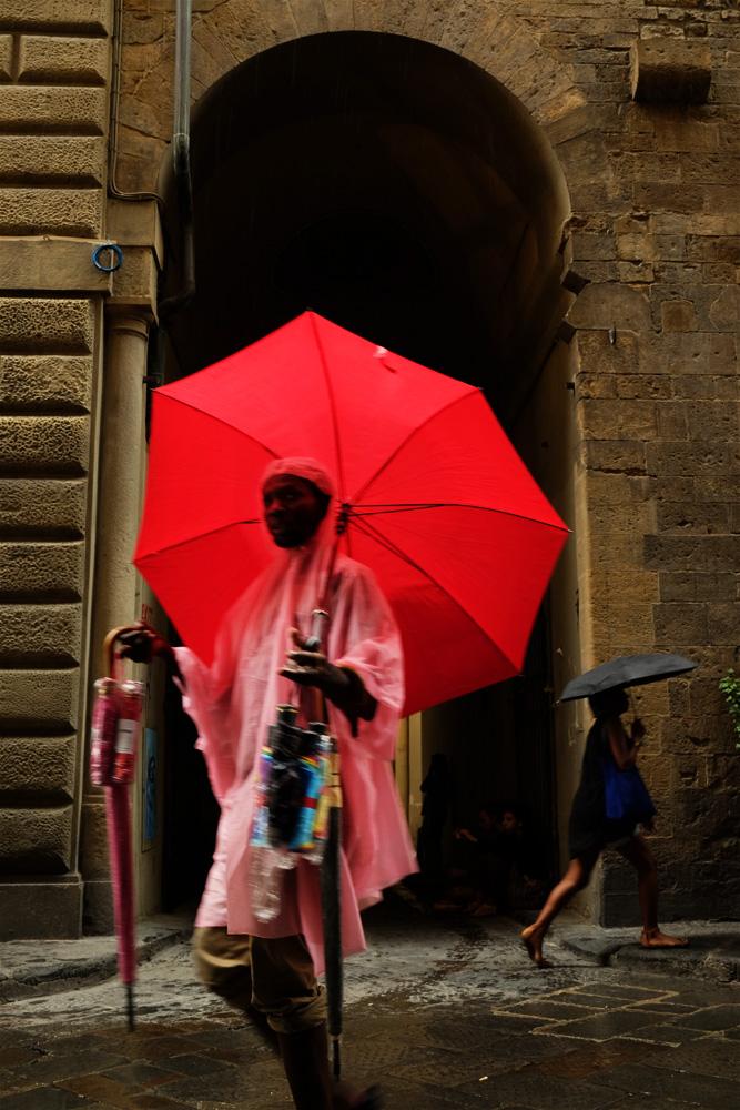 vendeur-parapluie-florence-italie
