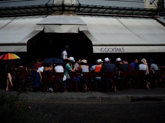 Terrasse de café à Mouffetard – Paris
