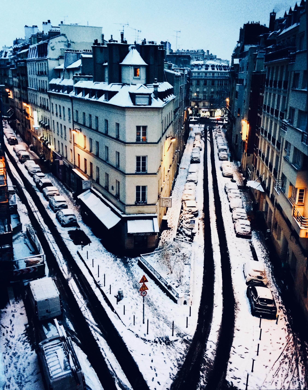 paris-toit-neige-hiver-delphine-desbrueres